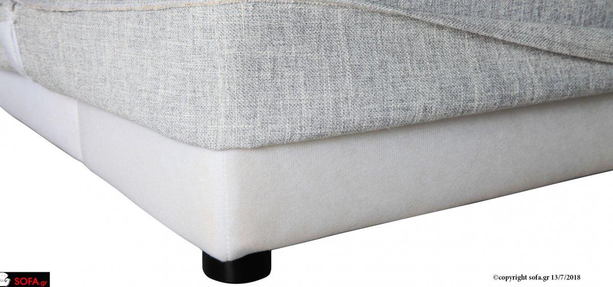 Σαλόνι σε μοντέρνα γραμμή με μαξιλάρια ανάκλισης και ύφασμα φορετό