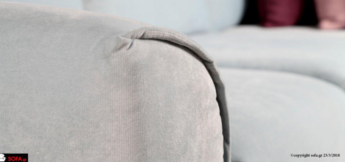 διθέσιος καναπές με καμπύλες και μοντέρνα μαξιλάρια, αναπαυτικό μαλακό κάθισμα