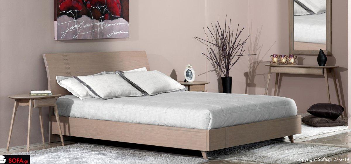 κρεβάτι υφασμάτινο με αφρατο κεφαλάρι